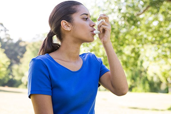 Pushan Jani, MD, says every year toward the end of September and into October, he sees a significant uptick in asthma-related hospitalizations as various pollens such as ragweed and mold hit the air. (Photo by: Getty Images)
