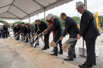 Photo of UTHealth leaders and government officials breaking ground on the UTHealth Continuum of Care Campus for Behavioral Health. (Photo credit: Dwight Andrews)