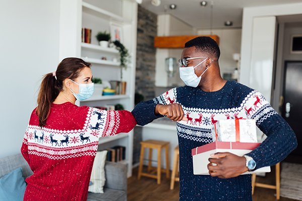 Photo of experts say  if you choose to gather for the holidays, it's still wise to maintain all safety measures advised by the CDC such as frequent handwashing, physical distancing, and wearing a mask. (Photo credit: Getty Images)