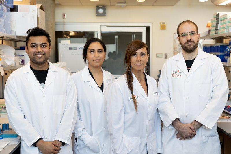 Photo of Dr. Kristin Eckel-Mahan and her research team.